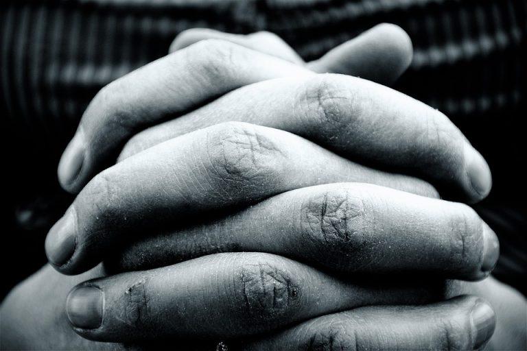 hands-2274255_960_720